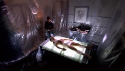1x08 - Shrink Wrap 13