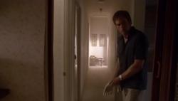 1x01 Dexter 68