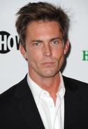 Desmond Harrington1