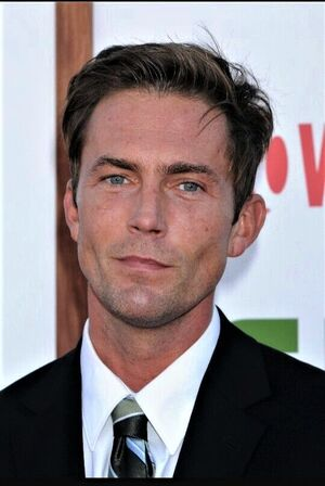 Desmond Harrington0