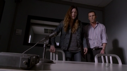 8x03 - What's Eating Dexter Morgan 6
