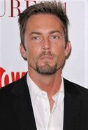 Desmond Harrington443