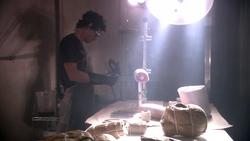1x08 - Shrink Wrap 14