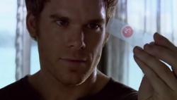 1x01 Dexter 35