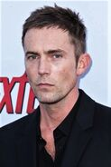 Desmond Harrington10