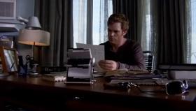 1x01 Dexter 37