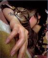 Katsura Hoshino and her cat.PNG
