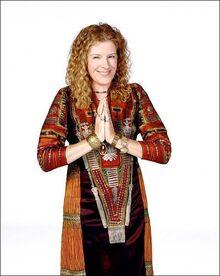 Abby-dharma-and-greg-34453639-399-500