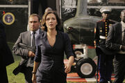 Maggie-gyllenhaal-in-white-house-down-2013-movie-image