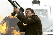 Ethan Hunt (Tom Cruise) in MI3 hmed 1p.hmedium