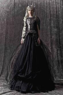 A05a01c42f71dd47e3d6bb4b6e78df93--fashion-stylist-creative-director