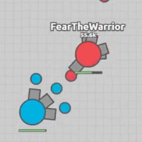 <b>Triple shot</b> azul defendiendose de un <a href=