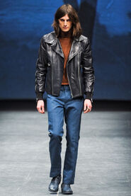 FW12-Milan-Mens-Black-Gold-catwalk-08