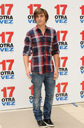 Zac+Efron+Attends+17+Again+Madrid+Photocall+kXGfnsluH7Ex