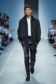 SS13-Milan-Mens-Black-Gold-catwalk-33