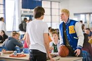 Zac Efron 17 again stills-007