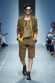 SS13-Milan-Mens-Black-Gold-catwalk-07