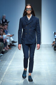 SS13-Milan-Mens-Black-Gold-catwalk-21