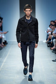 SS13-Milan-Mens-Black-Gold-catwalk-34