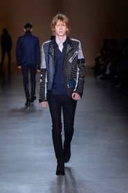 FW15-Milan-Mens-Black-Gold-catwalk-23
