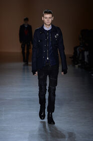 FW15-Milan-Mens-Black-Gold-catwalk-01