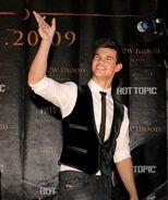 Taylor Lautner Diesel SG10