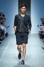 SS13-Milan-Mens-Black-Gold-catwalk-24