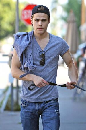 Paul-wesley-dog-kings-road-cafe-11212010-12-820x1230