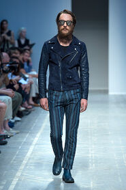 SS13-Milan-Mens-Black-Gold-catwalk-19