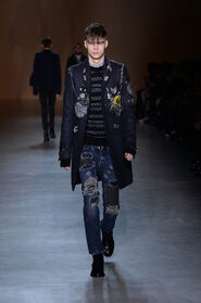 FW15-Milan-Mens-Black-Gold-catwalk-04