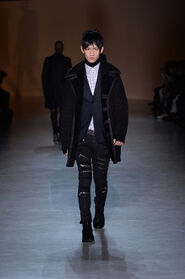 FW15-Milan-Mens-Black-Gold-catwalk-17