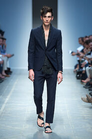 SS13-Milan-Mens-Black-Gold-catwalk-27