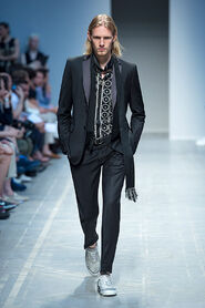 SS13-Milan-Mens-Black-Gold-catwalk-29
