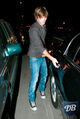 61648 zac efron going to his car cu isa 05 122 710lo.jpg
