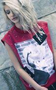 PF15-pop-riot-sweater-480x776