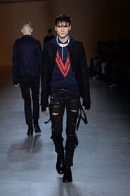 FW15-Milan-Mens-Black-Gold-catwalk-02