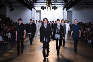 SS16-Milan-Mens-Black-Gold-catwalk-00