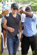 Paul-wesley-buff-arms-sightseeing-brazil-03