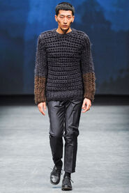 FW12-Milan-Mens-Black-Gold-catwalk-12