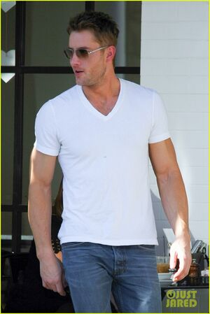 Justin-hartley-is-returning-to-mistresses-for-season-3-12