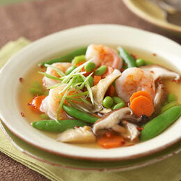 Asian-shrimp-and-vegetable-soup-R136029-ss