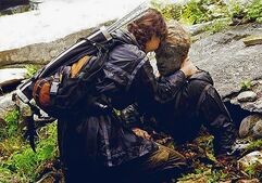 When katniss found peeta by the river (2)