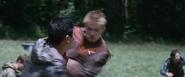 Cato tötet im Hintergrund D4 weiblich