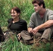 The-Hunger-Games-Katniss-and-Gale-300x288