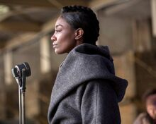 Patina-Miller-plays-Commander-Paylor-in-The-Hunger-Games-Mockingjay-Part-2-e1448467839381