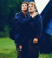 Katniss-and-Peeta-Win-The-Hunger-Games (2)