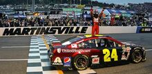 Jeff-Gordon-Martinsville-Win-2015-700x340