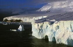 Küste der Peter-I.-Insel in der Amundsen-See 1994