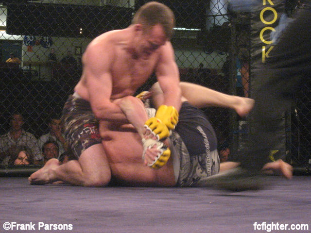 File:Phoenix-062108-Grant finishes Reiner with kimura.jpg