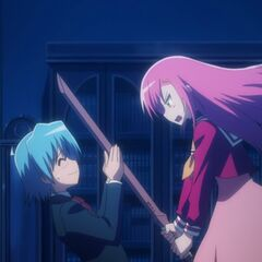 Hinagiku trying to hit Hayate with Masamune for being extremely late